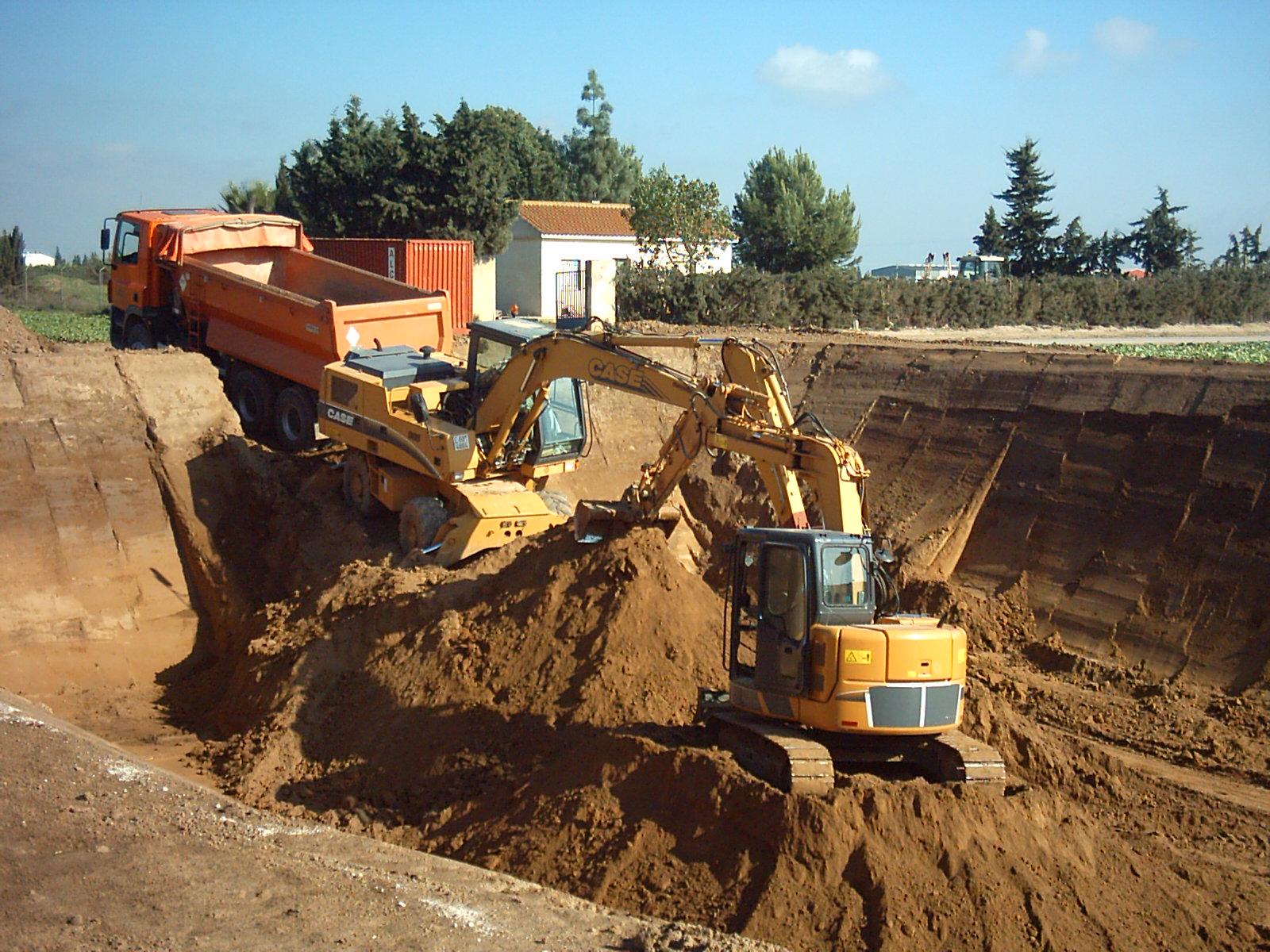 excavaciones, excavaciones en valencia, derribos ubicalia, excavación, excavadoras, movimiento de tierras, compactación de terrenos, rellenos, obra civil,
