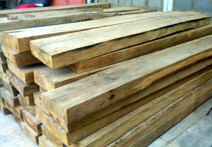 Vigas de madera de derribo materiales de construcci n - Vigas redondas de madera ...